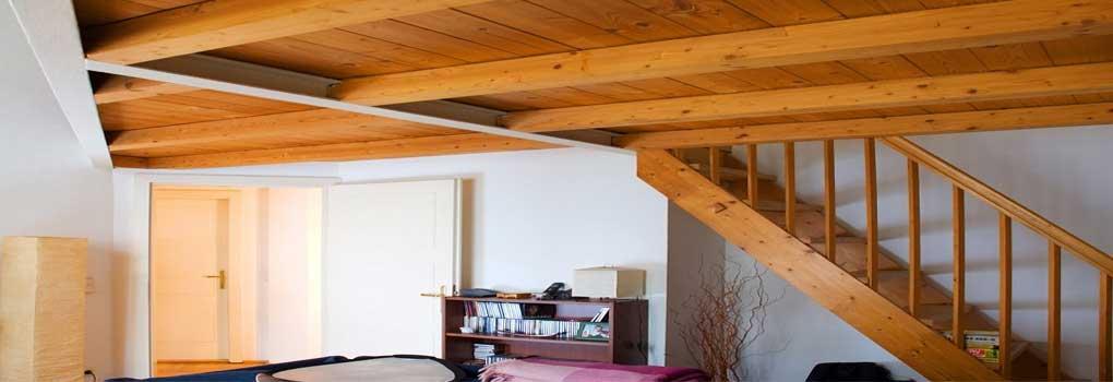 Escaleras para un altillo  de madera