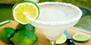 Un Margarita bebida