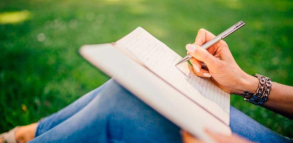 Como-Hacer-un-Libro-uncomohacer