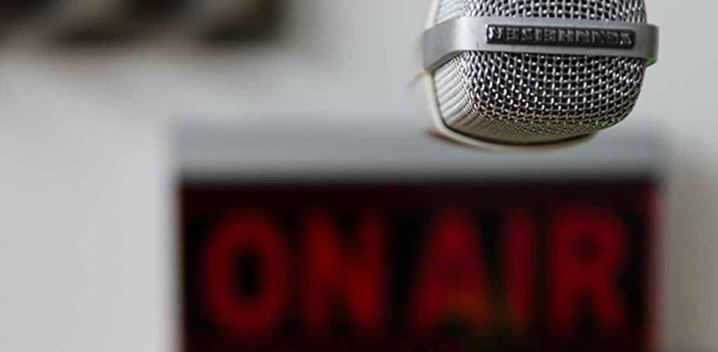 Cómo Hacer un Programa de Radio-uncomohacer