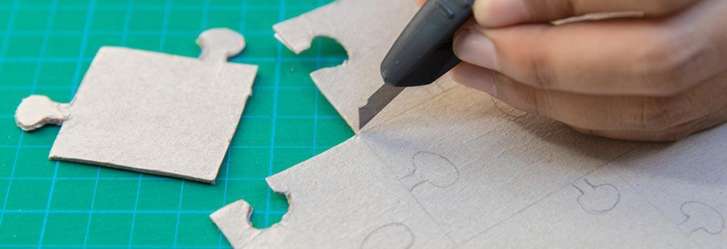 Como-Hacer-un-Rompecabezas-de-Carton-uncomohacer