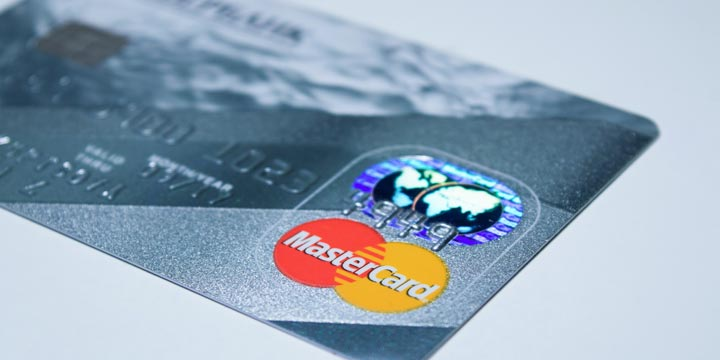 Como-saber-a-que-banco-pertenece-una-tarjeta-de-crédito