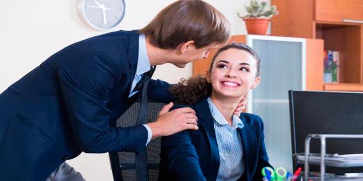 Como-saber-que-le-gustas-a-un-compañero-de-trabajo